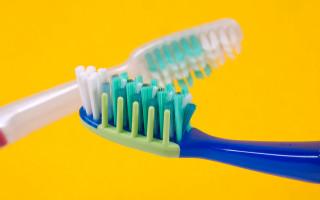 Правила и рекомендации по выбору зубной щетки