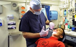 Как удаляют зубы мудрости на верхней челюсти