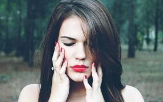 Какие факторы могут привести к развитию острого периодонтита и варианты лечения