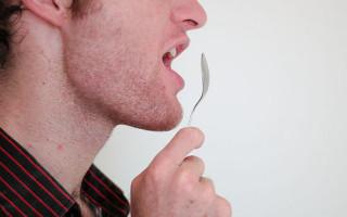Как определить наличие запаха изо рта