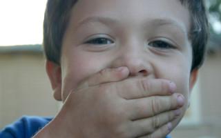 Почему опухает верхняя губа у ребенка
