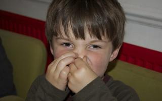 Почему появляется запах ацетона у ребенка изо рта
