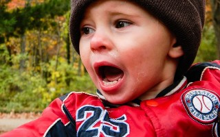 Что делать, если ребенок разбил губу изнутри и она опухла